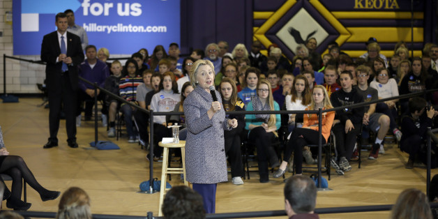 Hillary Clinton Writes Open Letter to Working Moms   Fortune com