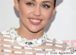 Miley Cyrus Has A New Hairdo...