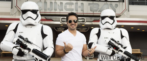 LUIS FONSI STAR WARS DISNEY