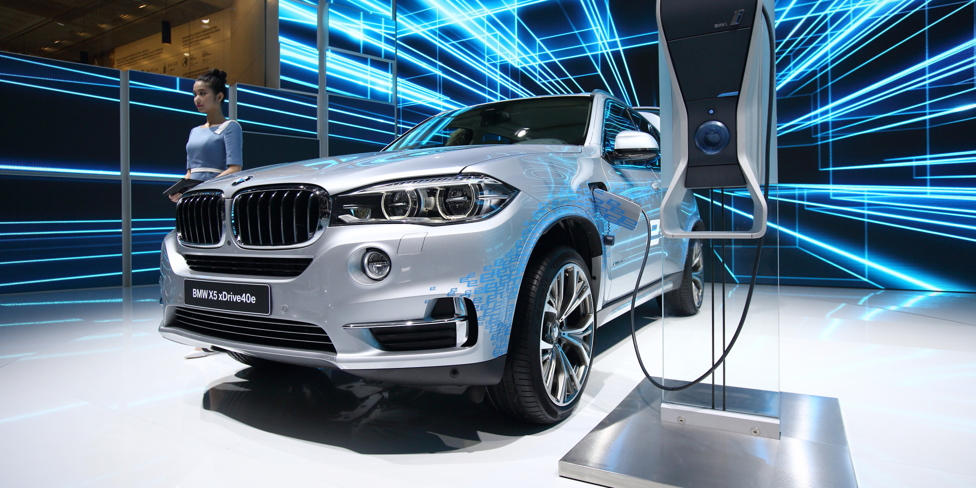 2016 bmw x5 suv plug in hybrid xdrive 40e huffpost. Black Bedroom Furniture Sets. Home Design Ideas