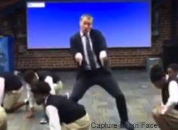 Ce prof de maths danse mieux que ses élèves (VIDÉO)