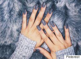 On adopte la manucure bleu-gris pour l'hiver (PHOTOS)