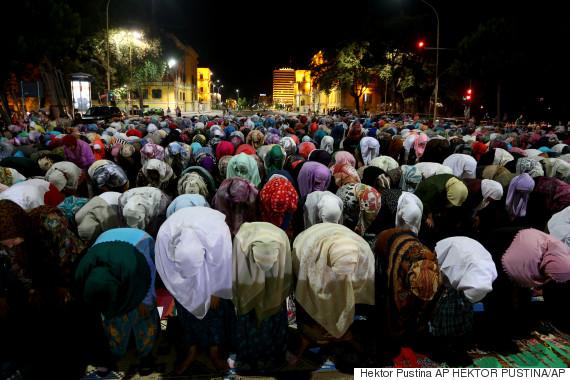 muslim pray ramadan