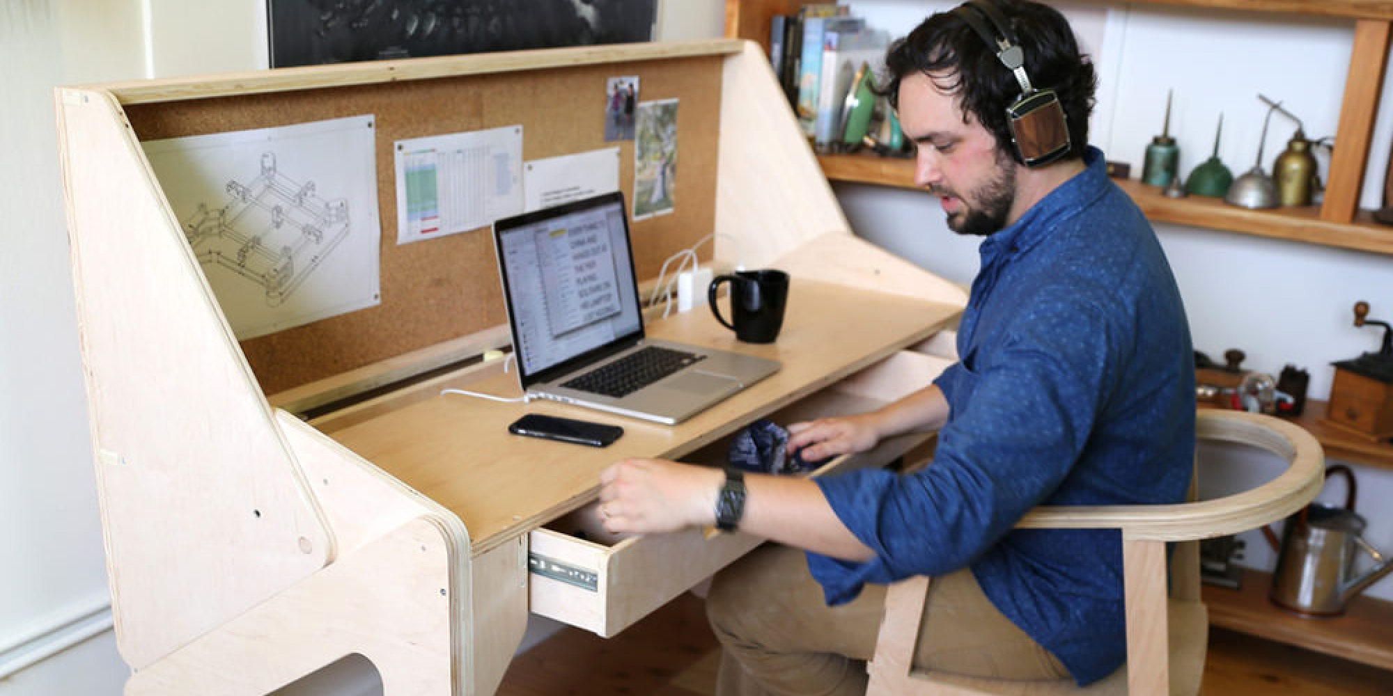 Le bureau convertible qui se transforme en bar photos for Bureau qui se referme