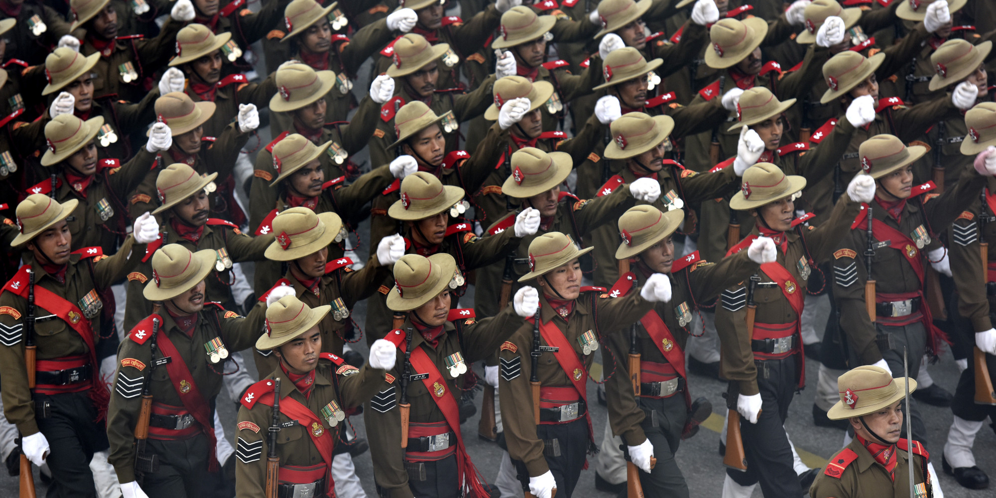 http://i.huffpost.com/gen/3864294/images/o-REPUBLIC-DAY-PARADE-facebook.jpg