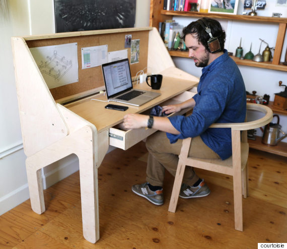 Le bureau convertible qui se transforme en bar photos for Meuble qui se transforme
