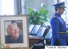 Jean-Paul L'Allier exposé en chapelle ardente : Québec rend hommage à un bâtisseur (PHOTOS / VIDÉO)