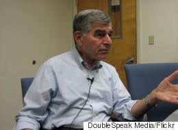 Μάικλ Δουκάκης: Η λιτότητα είναι το τελευταίο που χρειάζεται μια χώρα σε μεγάλη ύφεση