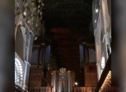 Hasta las iglesias rinden homenaje a David Bowie (VÍDEO)