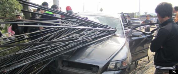 対向車の木材で串ざしになって死亡 [無断転載禁止]©2ch.netYouTube動画>1本 ->画像>82枚