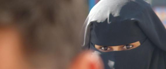 WOMAN ISLAM