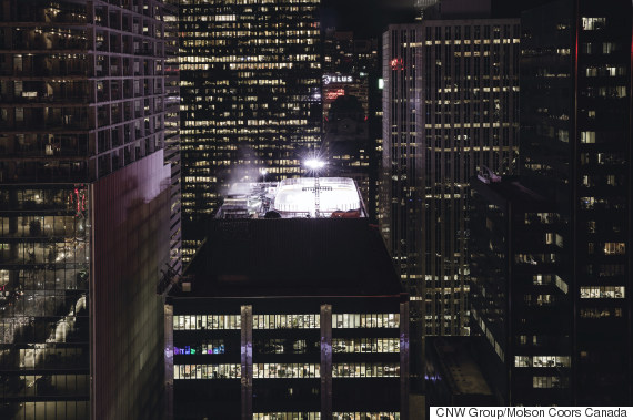 molson toronto rooftop hockey rink