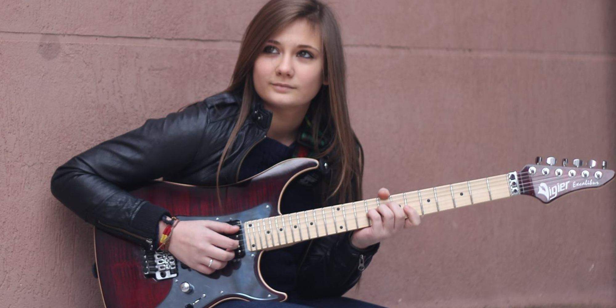 This 16 Year Old Girl Shows The World How To Shred