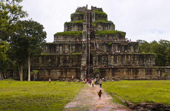 cambodian pyramids