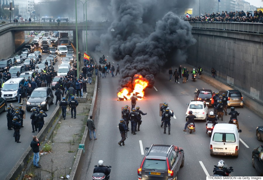 paris taxi protest