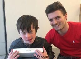 Ce vendeur Apple a ému la mère d'un enfant atteint de trisomie