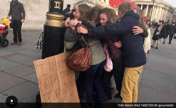 muslim girl asked london for trust hugs