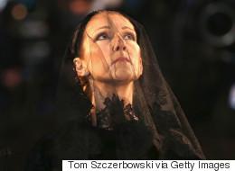 Céline Dion reconnaissante après les funérailles de René Angélil (VIDÉO/PHOTOS)