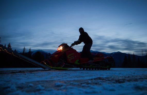 clint pelletier snowmobile mcbride avalanche