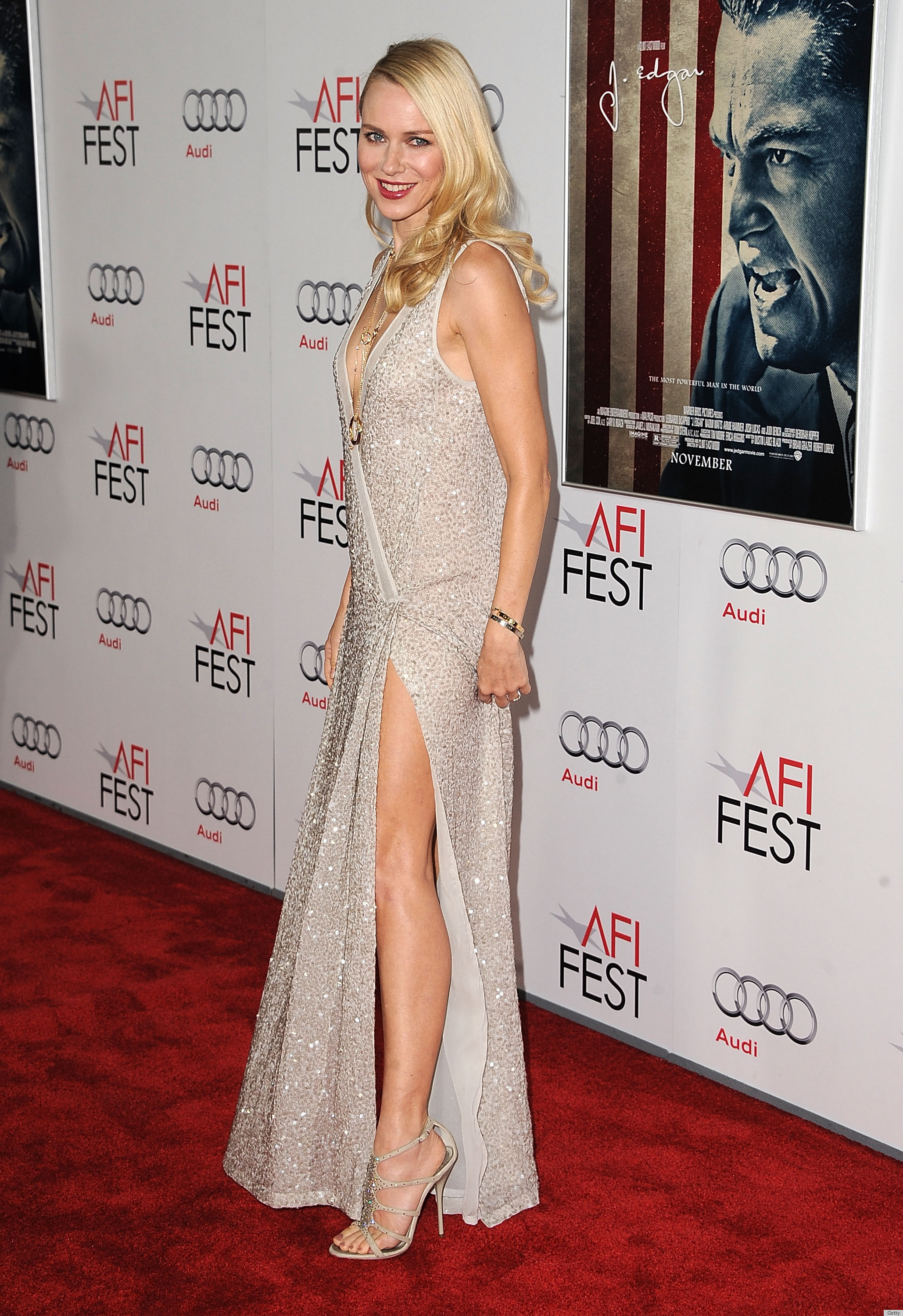 naomi watts nude Naomi Watts' Dangerously Low Cut, Slitted Leg Nude Gown (PHOTOS, POLL)