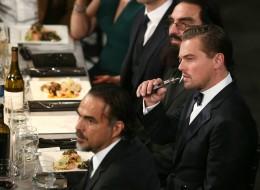 Cette photo de Leonardo DiCaprio qui vapote vaut le détour(nement)