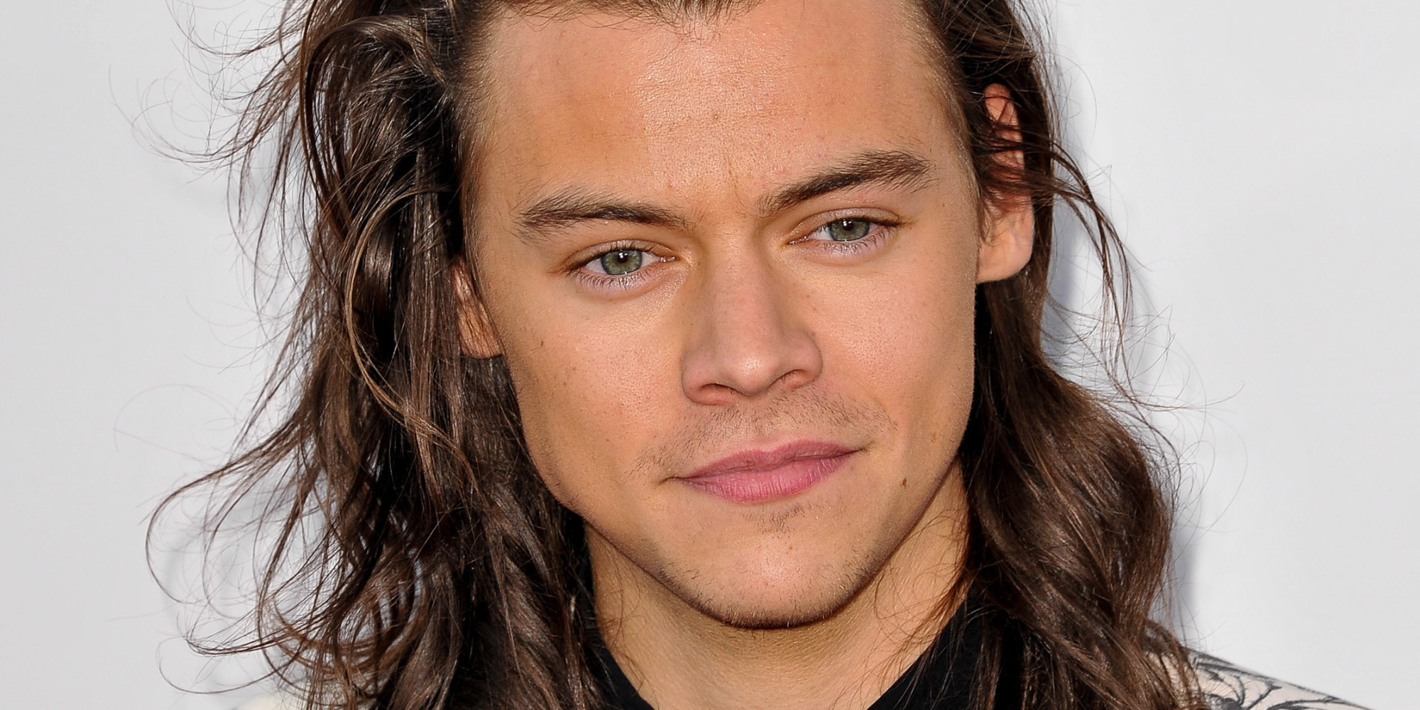 Swell Harry Styles Turns 22 We Patiently Await His Gucci Contract Short Hairstyles Gunalazisus