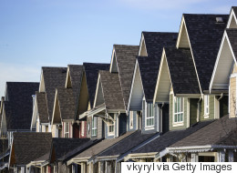 Is China's Market Turmoil Creating A Rise in Canadian Real Estate Prices?