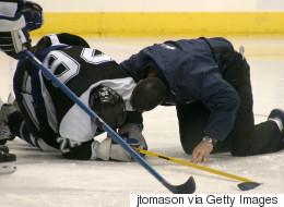Un jeune hockeyeur montréalais gravement blessé reçoit 8 millions $