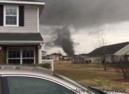 Une impressionnante tornade filmée par des internautes américains