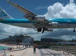 Sur cette île, les avions survolent la plage à l'atterrissage (VIDÉO)