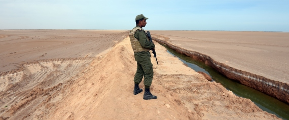 TUNISIAN BORDER WITH LIBYA
