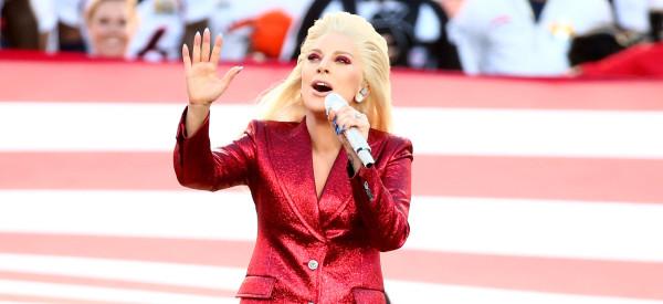 Lady Gaga a chanté l'hymne américain comme personne