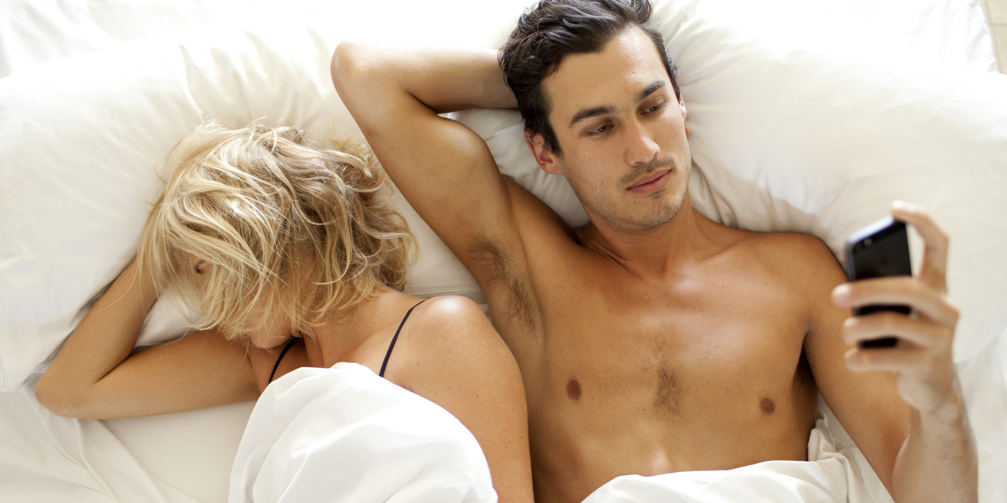 http://i.huffpost.com/gen/3975212/images/o-COUPLE-IN-BED-PHONE-facebook.jpg
