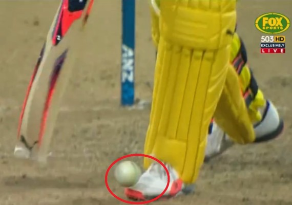 mitchell marsh shoe