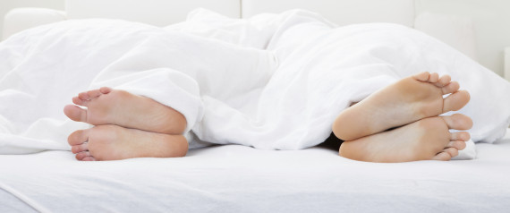 COUPLES SLEEP UNHAPPY