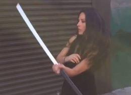 Pour jouer Psylocke, Olivia Munn a appris à manier le sabre (VIDÉO)