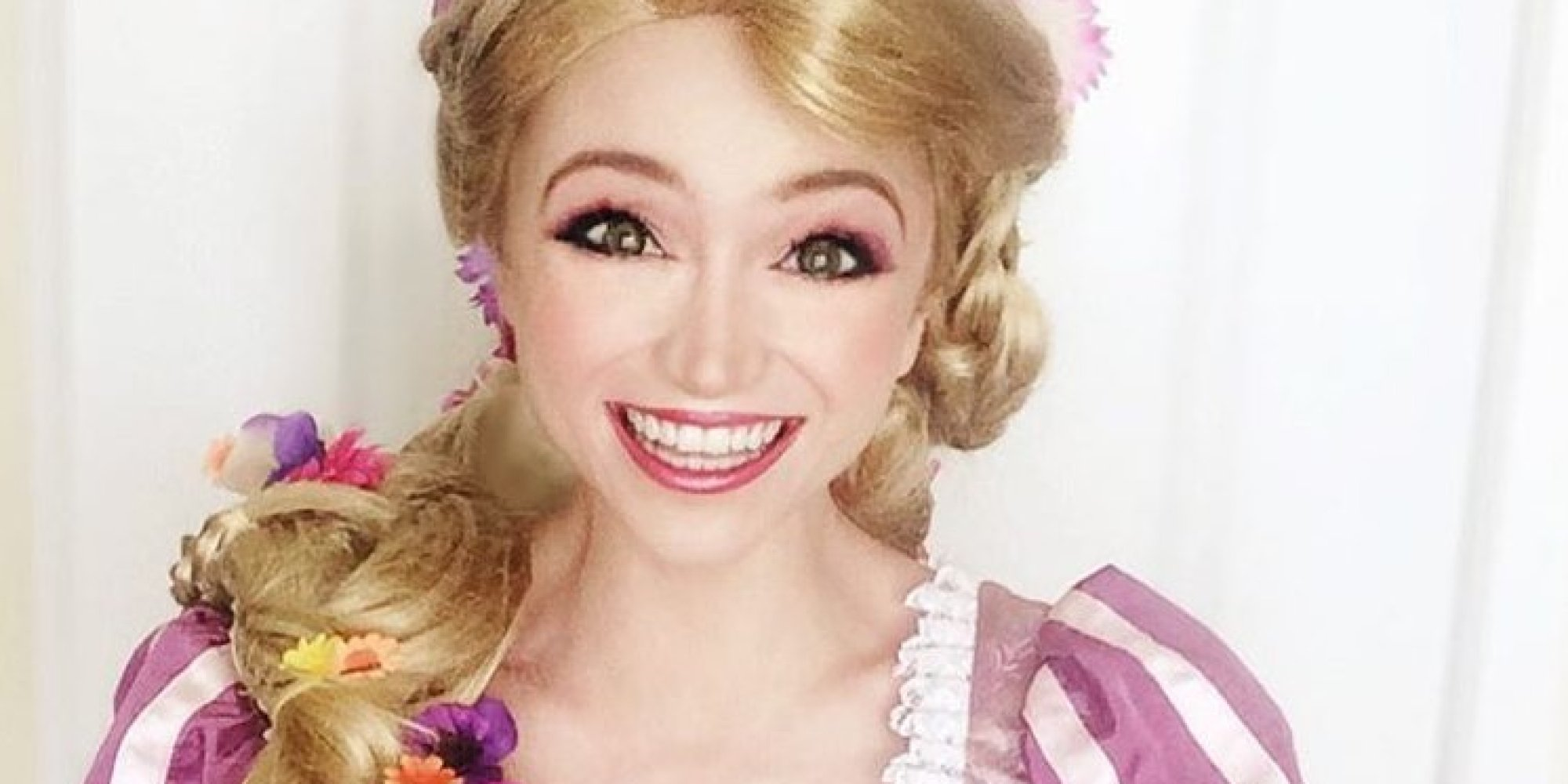 Sarah ingle a d pens 14 000 pour ressembler aux - Voir princesse sarah ...