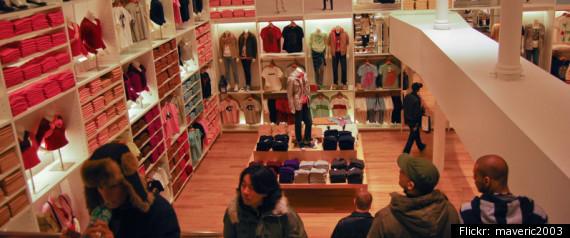 Plato's Closet - Chicago, IL, United States. Very well organized store