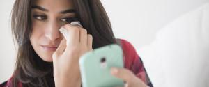 WOMAN CRY PHONE