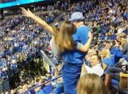 Cette jeune fille va regretter d'avoir dansé pendant ce match! (VIDÉO)
