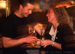 Saint-Valentin: mode d'emploi pour célibataires (VIDÉO)