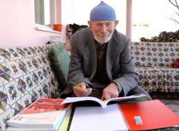 أنهى الابتدائية وعمره 56 سنة.. تركي يستعد لامتحان قبول الجامعة بعد أن بلغ الـ71 لتحقيق حلمه