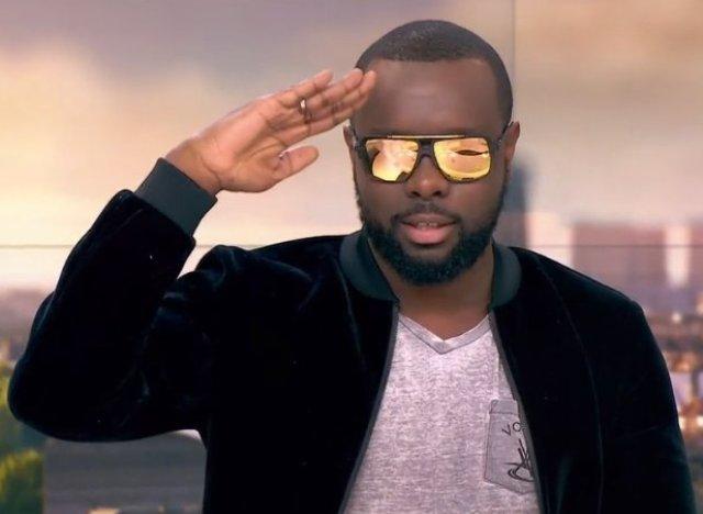 Vid o le chanteur ma tre gims indique qu 39 il va bient t - Pourquoi maitre gims porte des lunettes ...