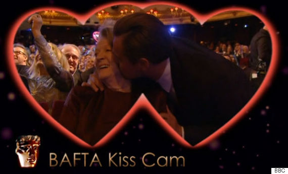 maggie smith leonardo dicaprio kiss