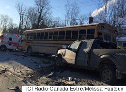Accident impliquant un bus scolaire: 3 enfants hospitalisés