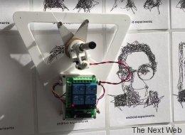Ce robot de Google dessine votre portrait d'un seul trait