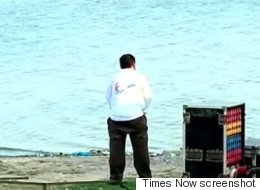 Swacch Bharat? U.P. Babu Caught Peeing At Triveni Sangam In  Allahabad