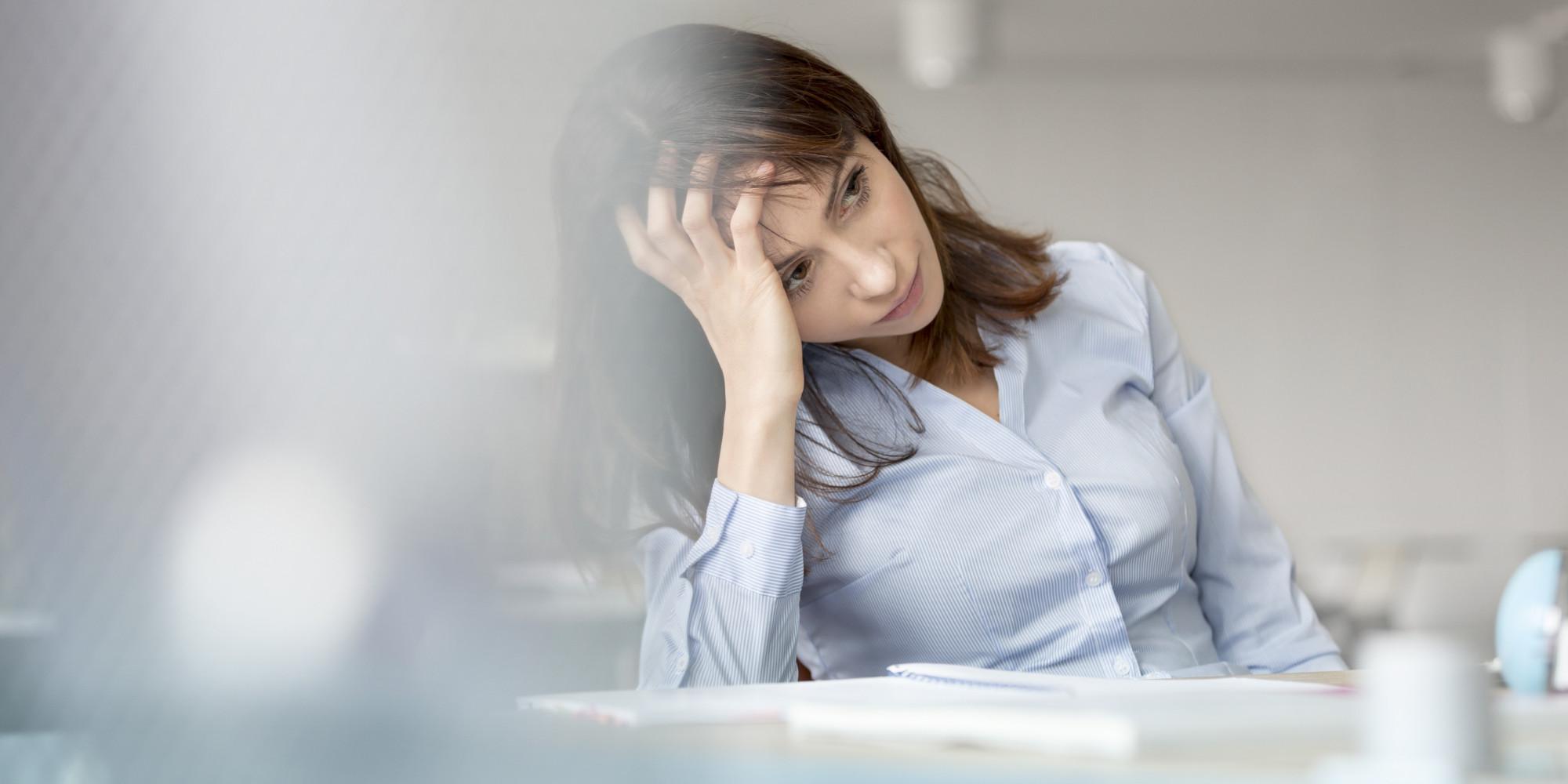 Нийгмийн хүчин зүйл нь эмэгтэйчүүдийн стресс,  сэтэгцийн өвчин тусах эрсдэлийг нэмэгдүүлдэг.