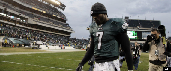 MICHAEL VICK BROKEN RIBS