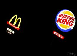 Mit diesem Plakat verarscht McDonald's Burger King - so rächt sich der Konkurrent